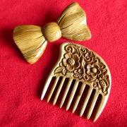 деревянный гребешок